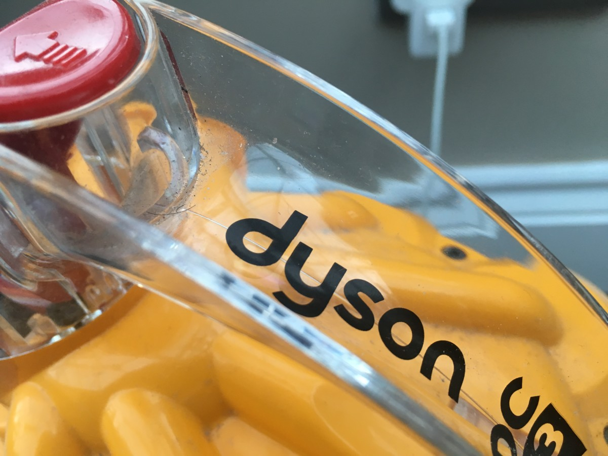 What to Do If a Dyson Vacuum Cleaner Has Stopped Picking up Dirt