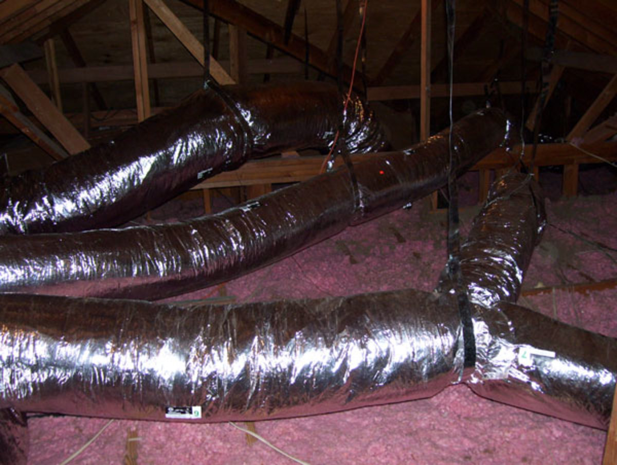 This air conditioning system uses single pieces of flex duct to span across the attic