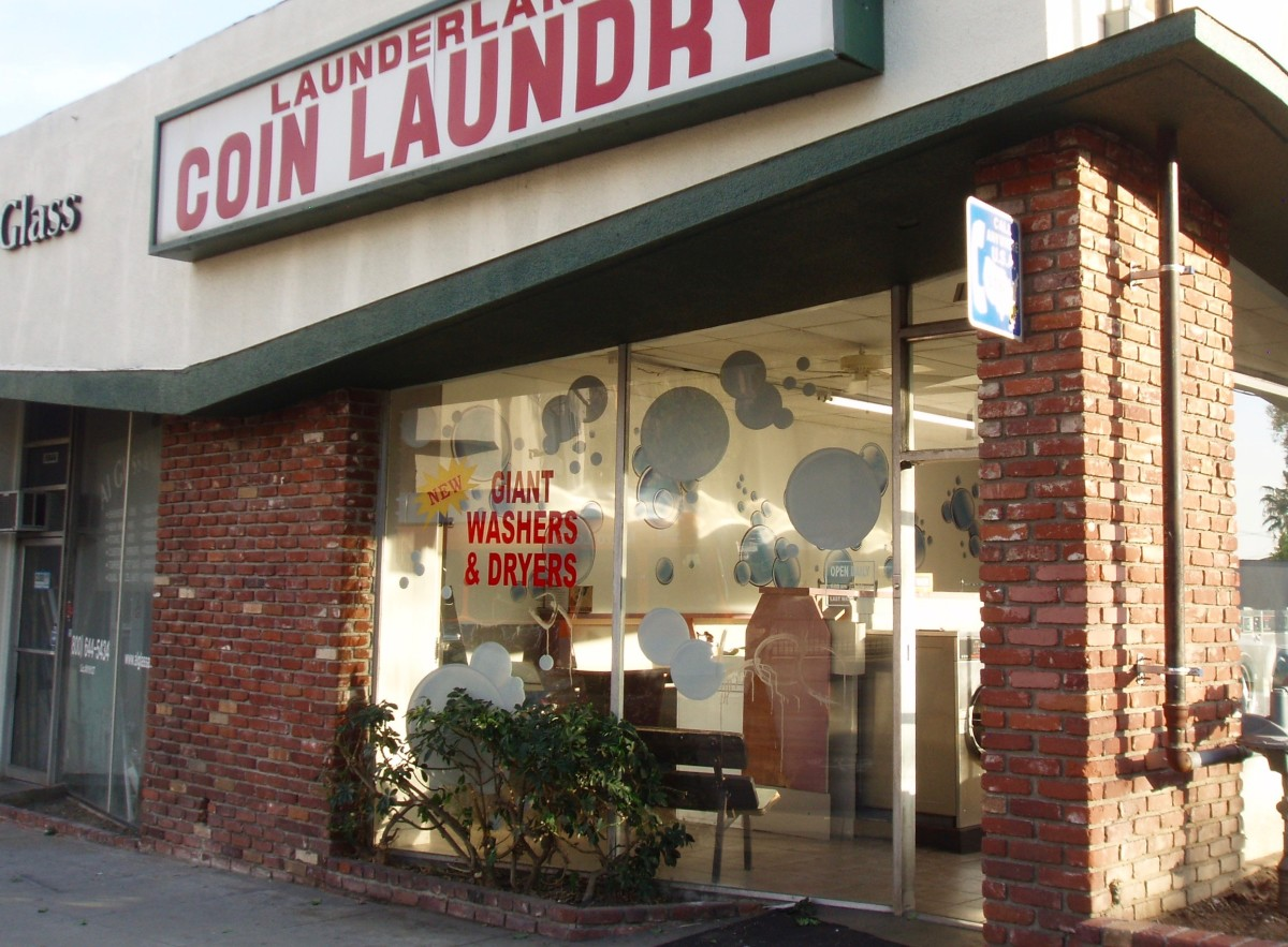 How to Wash and Dry Clothes at a Laundromat
