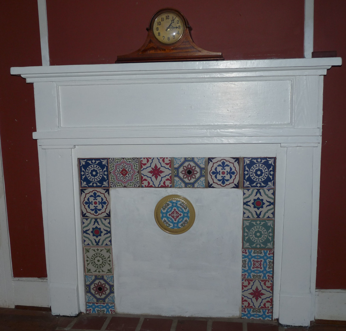 Second tiled closed off fireplace