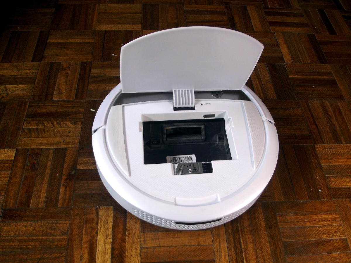 Ecovacs Deebot M88 with dustbin removed