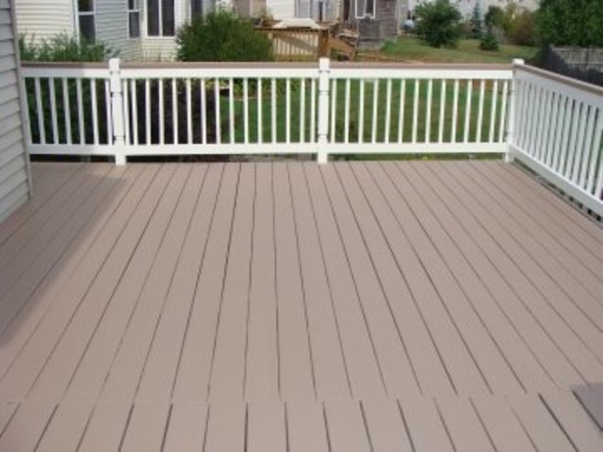Tips for Spraying a Deck With an Airless Sprayer