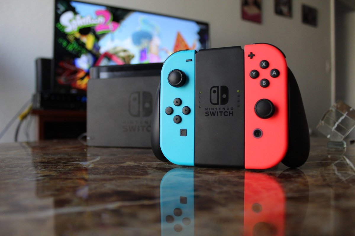 The Nintendo Switch works both as a handheld unit and as a console connected to the TV.