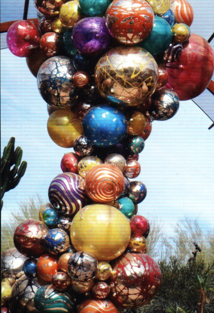 Chihuly balls not far from the Phoenix Desert Botanical Gardens entrance