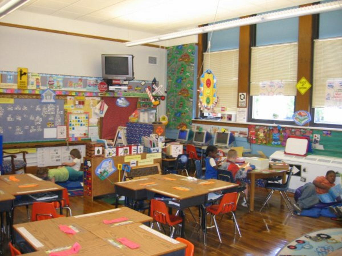 An example what a co-taught classroom may look like. Notice the seating arrangements.