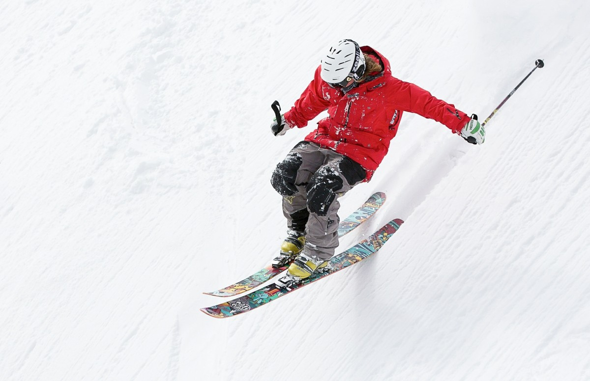 If you have thrombocytopenia, you should ask your doctor whether activities with a higher than normal risk of injury, such as skiing, are appropriate.
