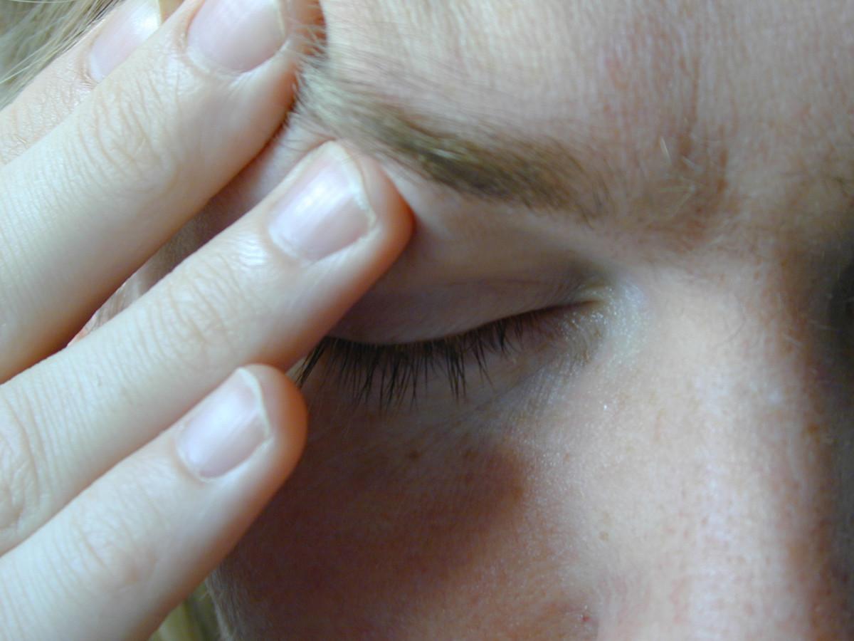 A throbbing headache may indicate heat stroke