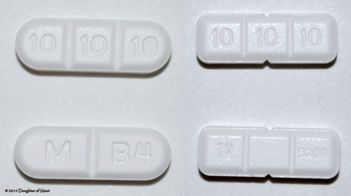Buspirone 30mg tablets. Right side: manufactured by Mylan; Left side: manufactured by Teva