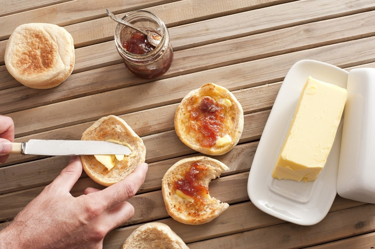 Gluten cross-contamination can easily occur if sharing the same knife, jams and butter with those eating gluten-filled foods