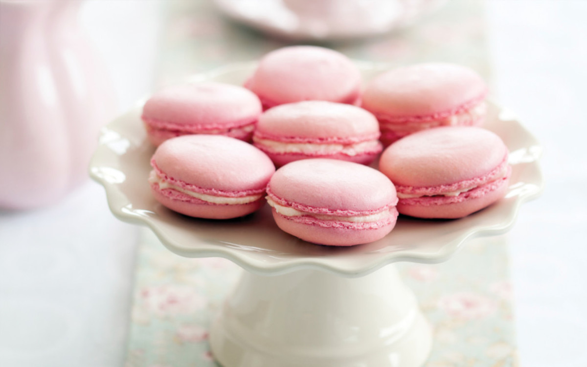Pink macaroons = perfect for a bake sale
