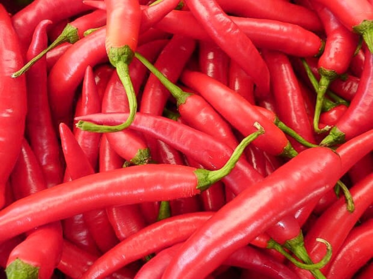 Spicy or hot foods like chilli peppers may trigger hiccups.