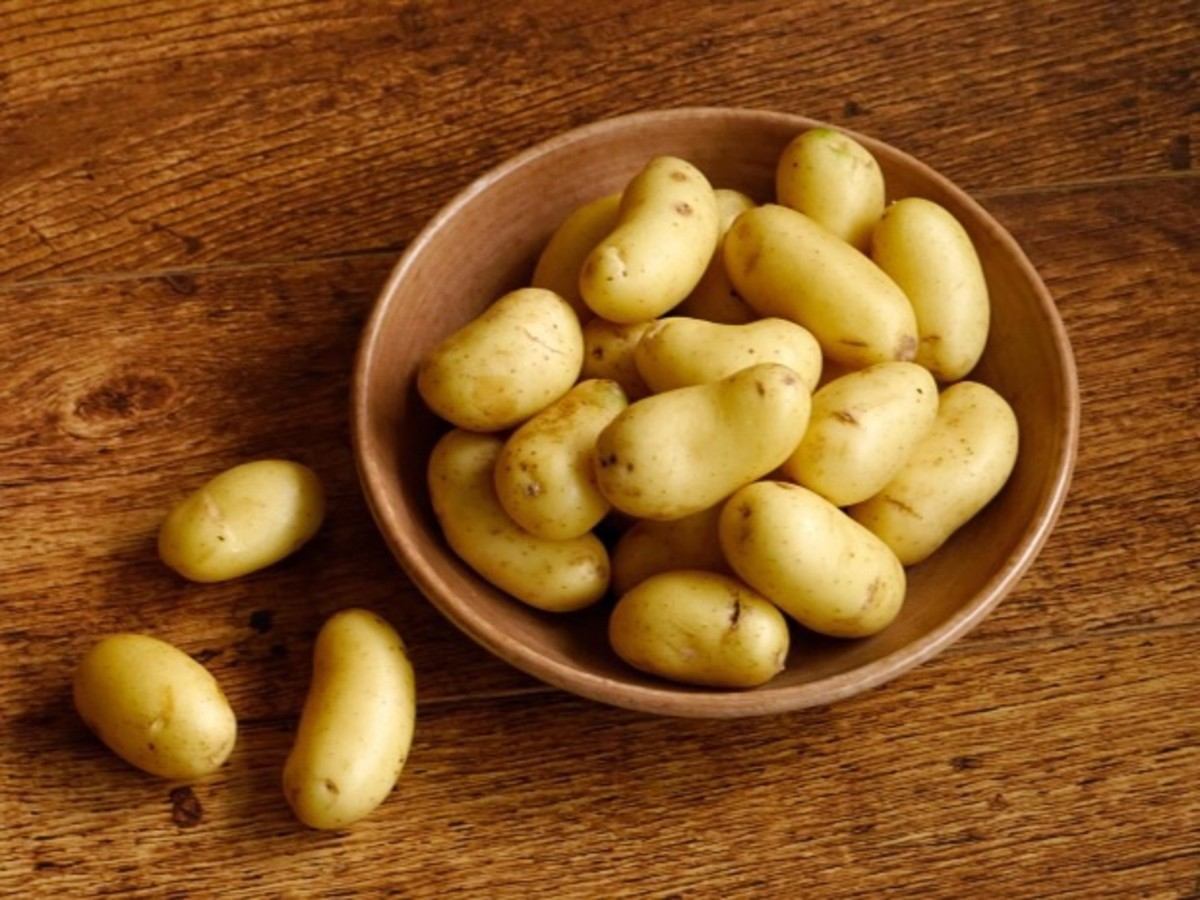 Cooked and then chilled potatoes contain resistant starch, which increases the amount of butyric acid in the colon.