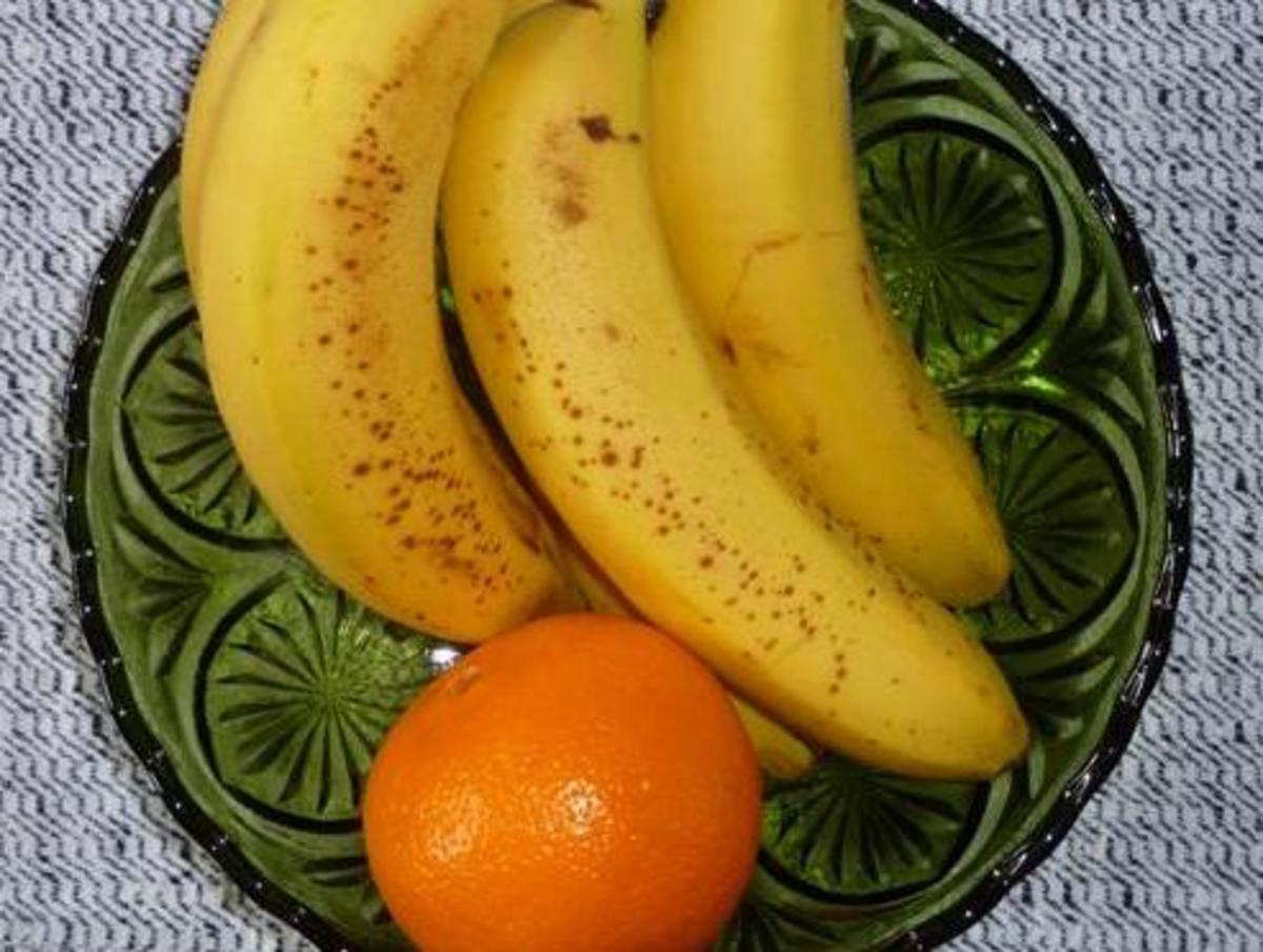 ACE inhibitors don't mix with potassium-rich foods, like oranges and bananas