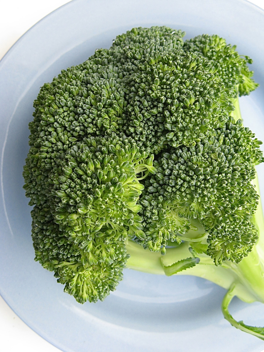 Green vegetables like broccoli are usually safe for a GERD diet.