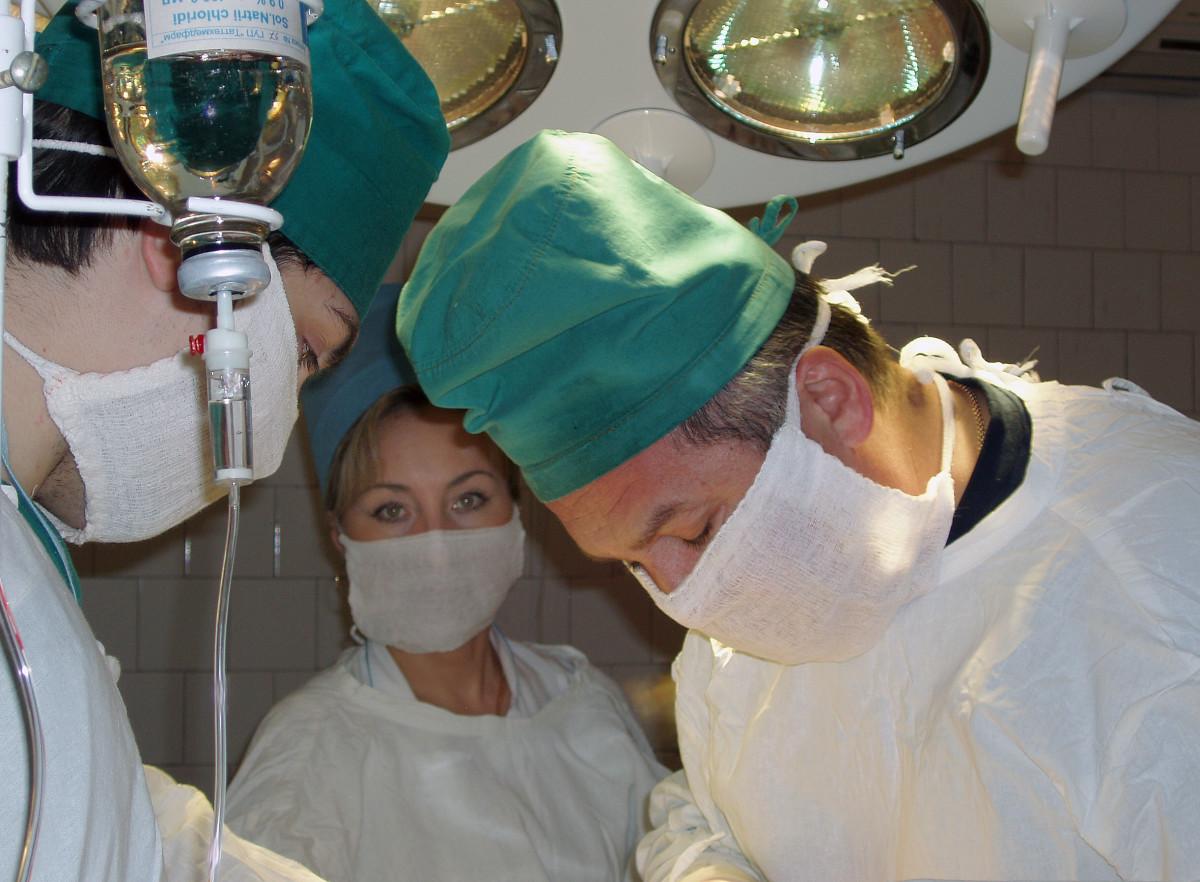 Knee Surgery via arthroscopy isn't bad at all!