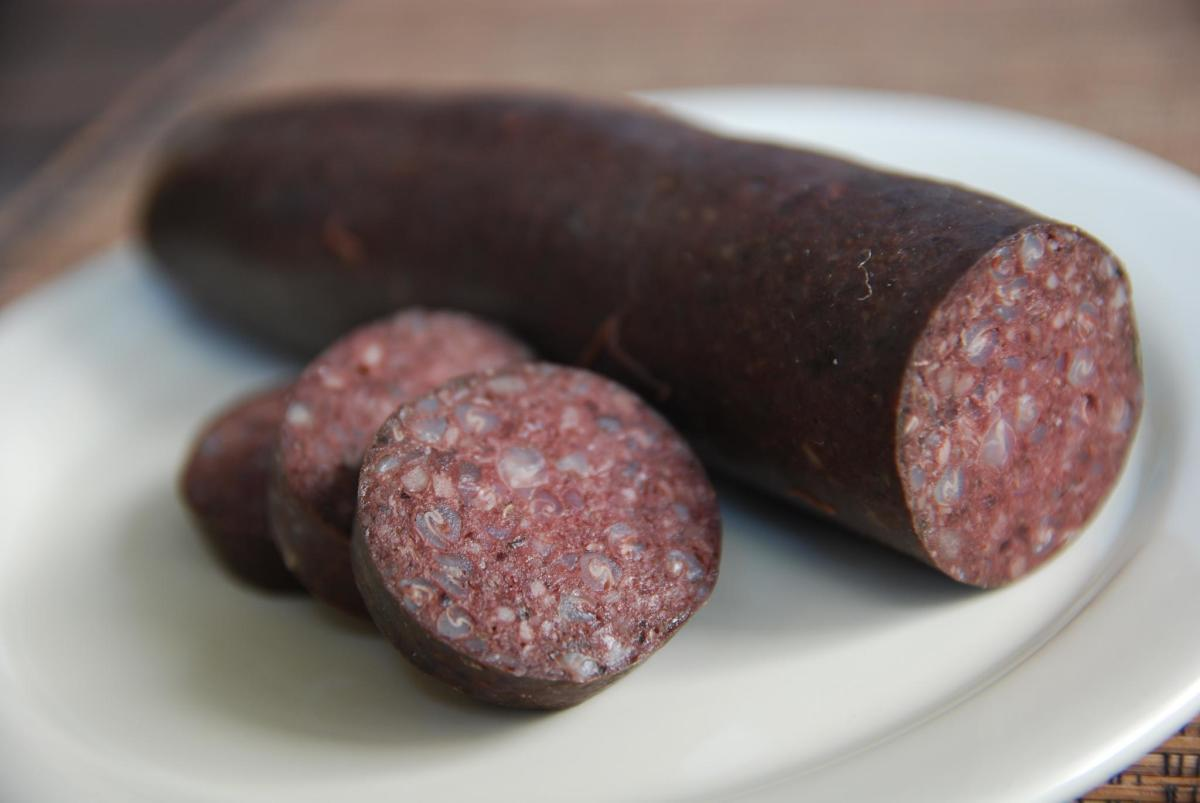 Foods that can give false melena – Blood sausage
