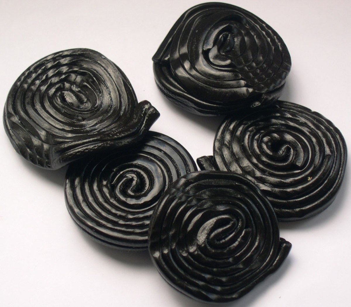 Foods that can give false melena – Licorice (Black)