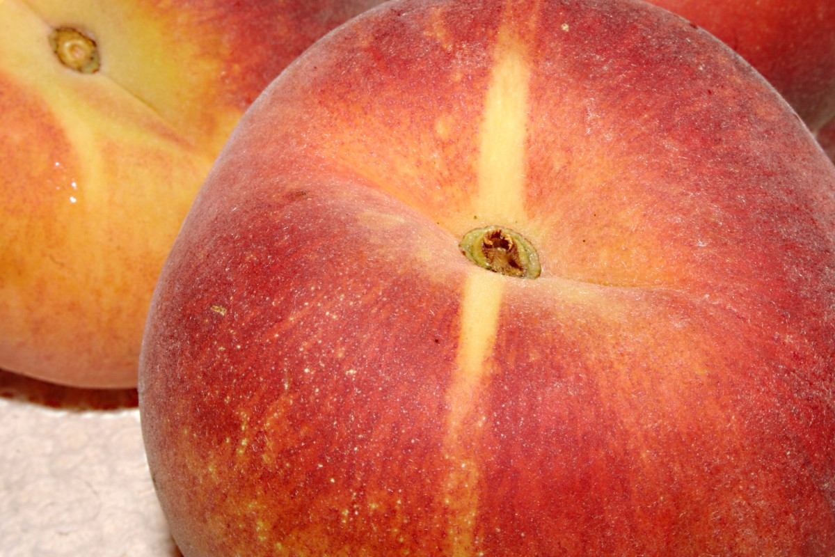 Canned peaches may be safer to eat than fresh peaches.
