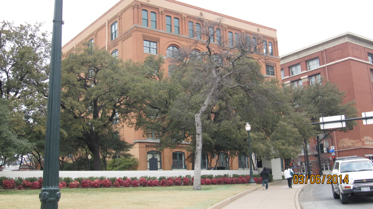 Traveling Around - Dallas, Texas - John F Kennedy Assassination Site Museum