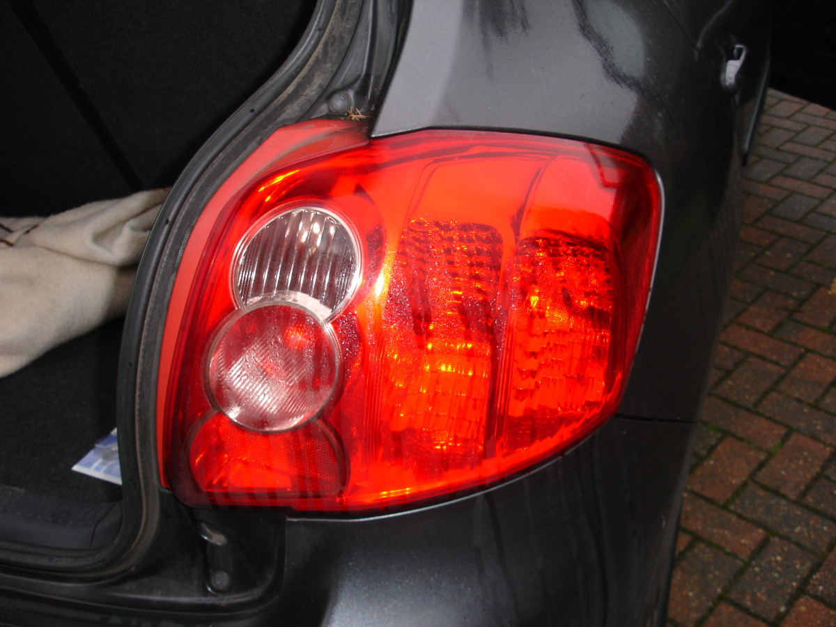 How to Replace a Tail Light Bulb on Toyota Auris