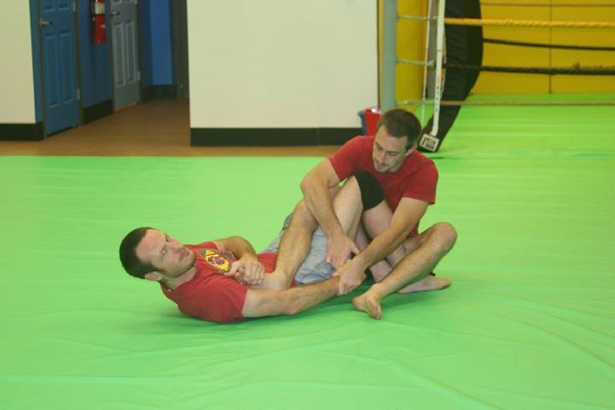 Setting up for a heel hook.