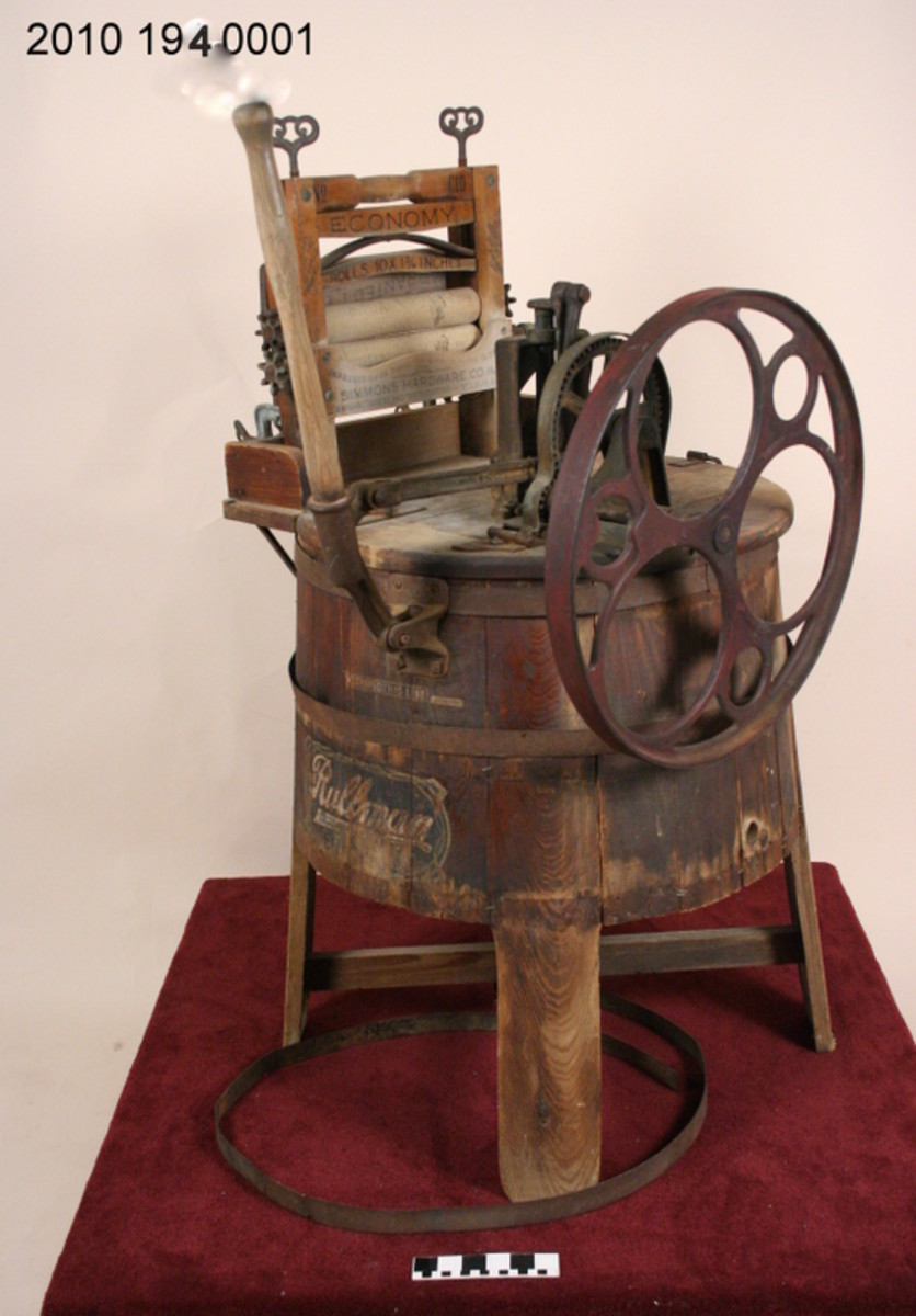 This wringer washer was made by Rullman Bros. Manufacturing Company of St. Joseph, Missouri.