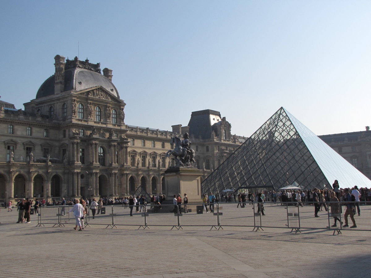 How to Survive a Visit to the Louvre