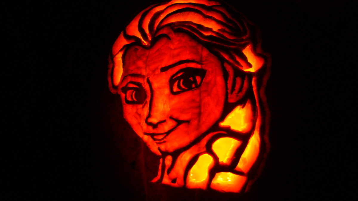 How to Carve an Elsa Pumpkin From the Disney Movie Frozen