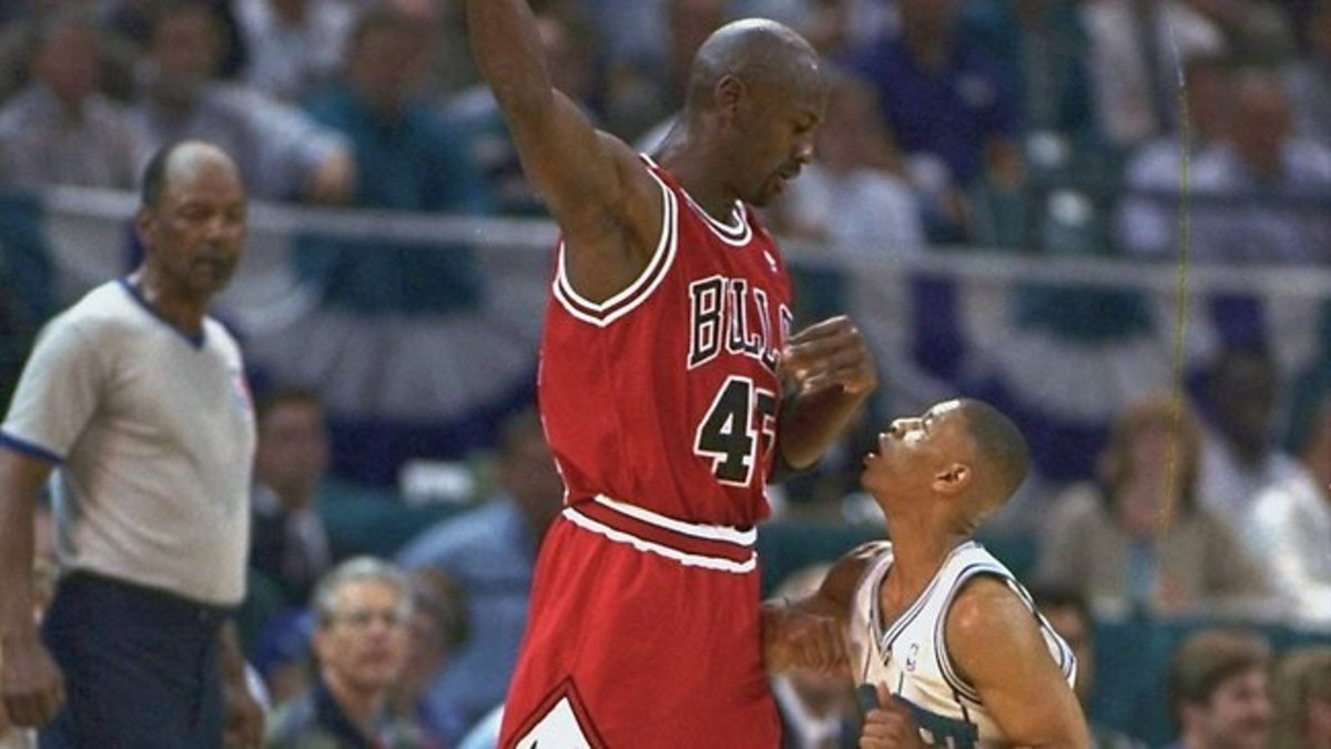 Muggsy Bogues And Michael Jordan.