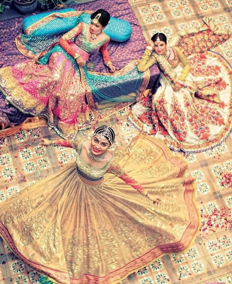 Latest Bridal Lehenga:  Gorgeous Collection of Photographs of Bridal Couture