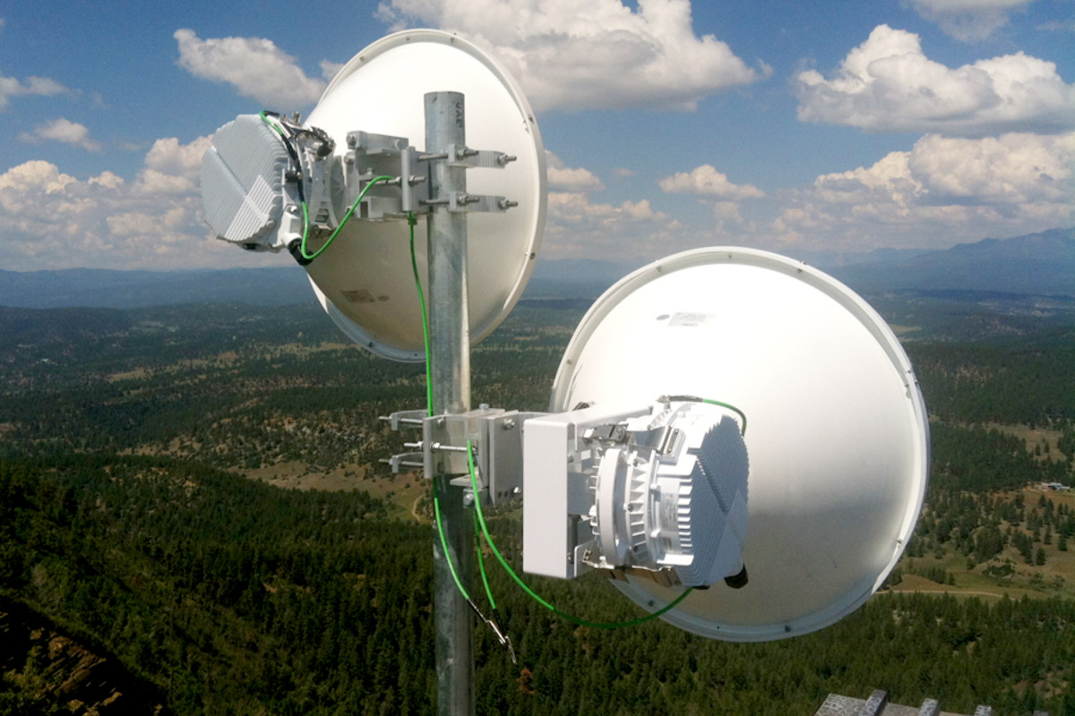 Point to Point (PTP) 5Ghz Wireless WiFi Link / Bridge
