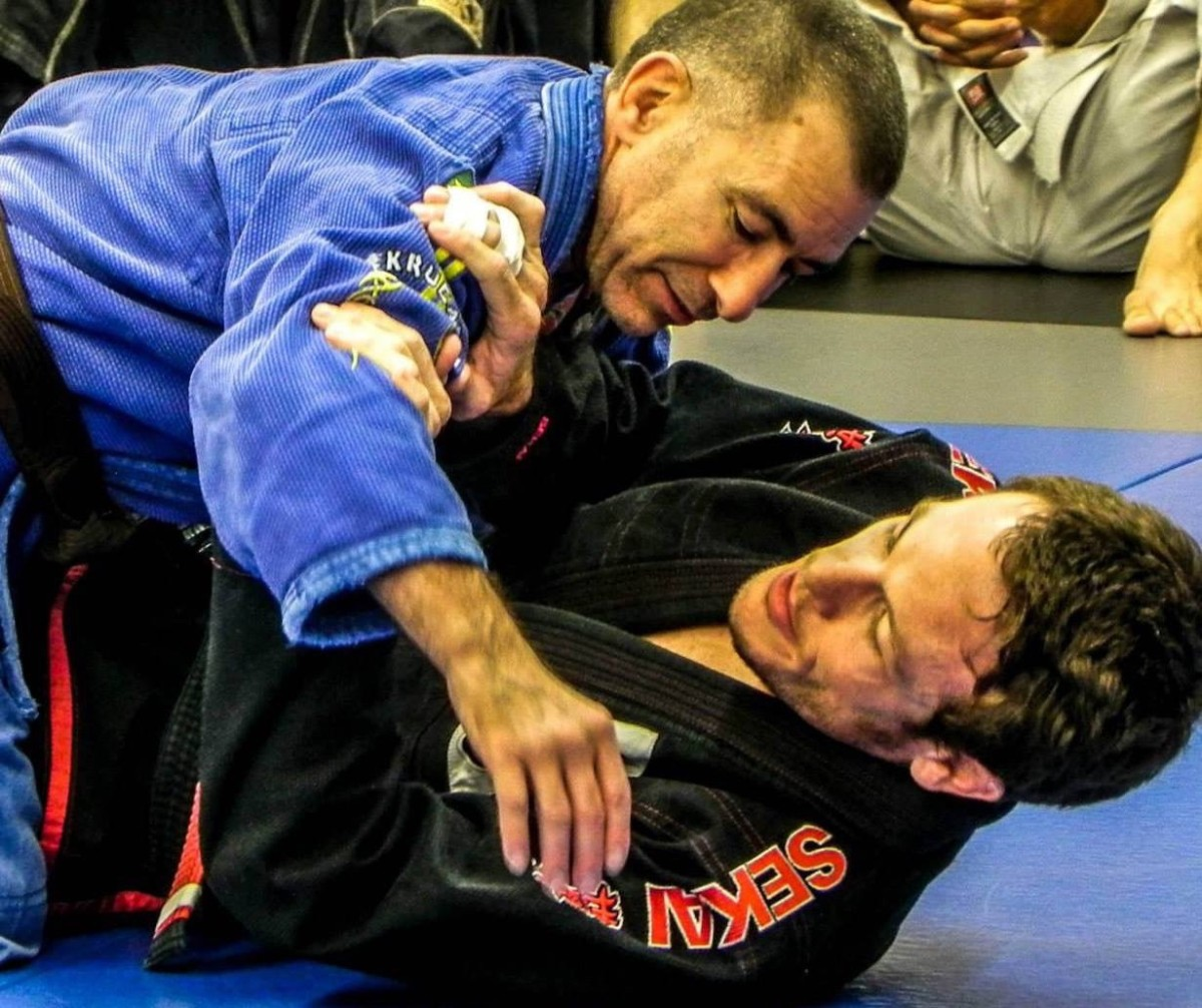 How to Counter the Hip Switch from Half Guard (or a Kimura Attempt):  a BJJ Tutorial