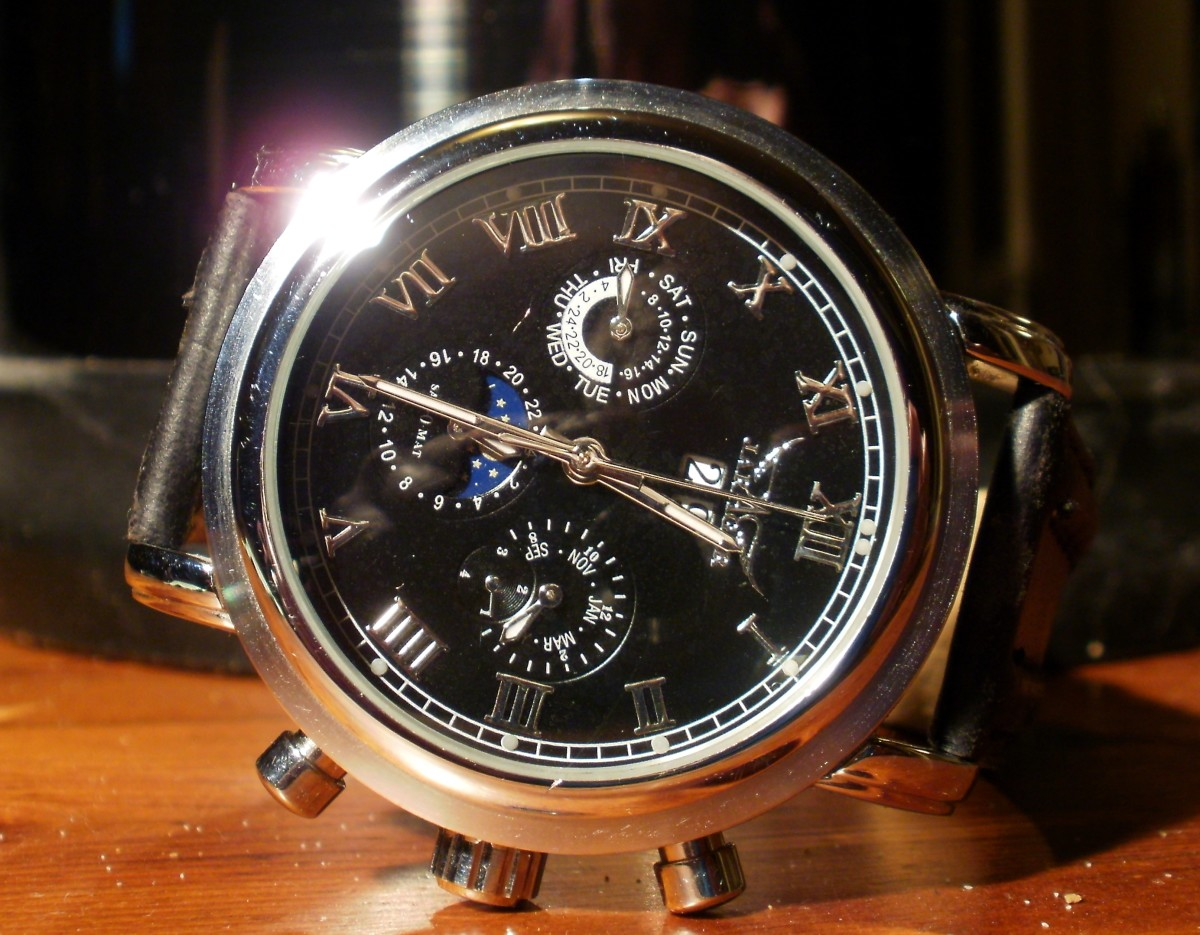 Review of the Jaragar JR13 Men's Automatic Watch with Calendar and Moon Phase