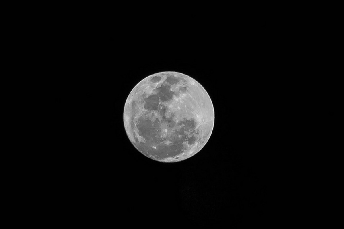 The full moon is an excellent source of energy for recharging crystals.