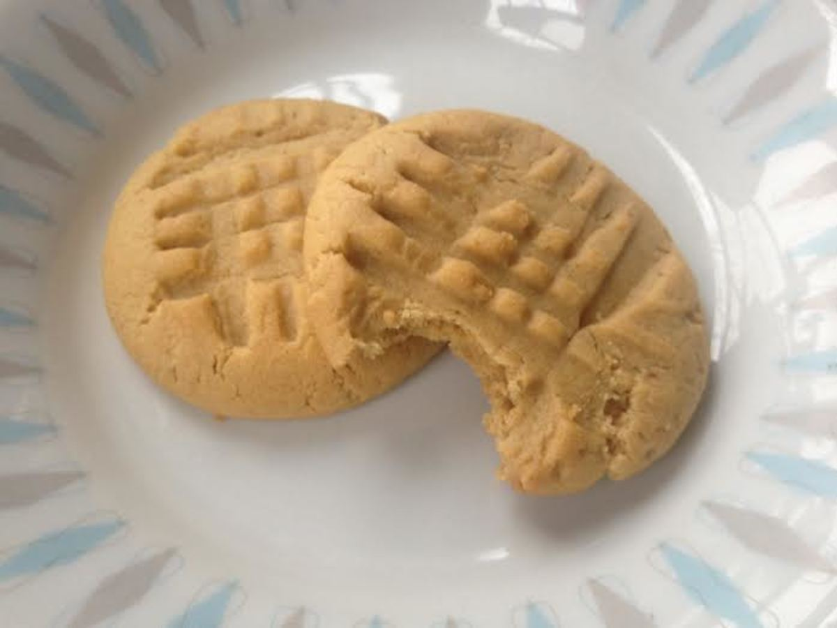 These peanut butter cookies are made with organic ingredients and freshly ground peanuts.
