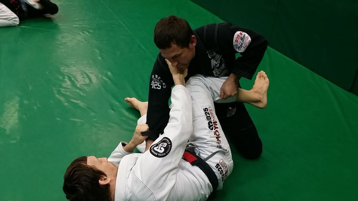 Scissor Guard Triangle Set Ups: A BJJ Tutorial