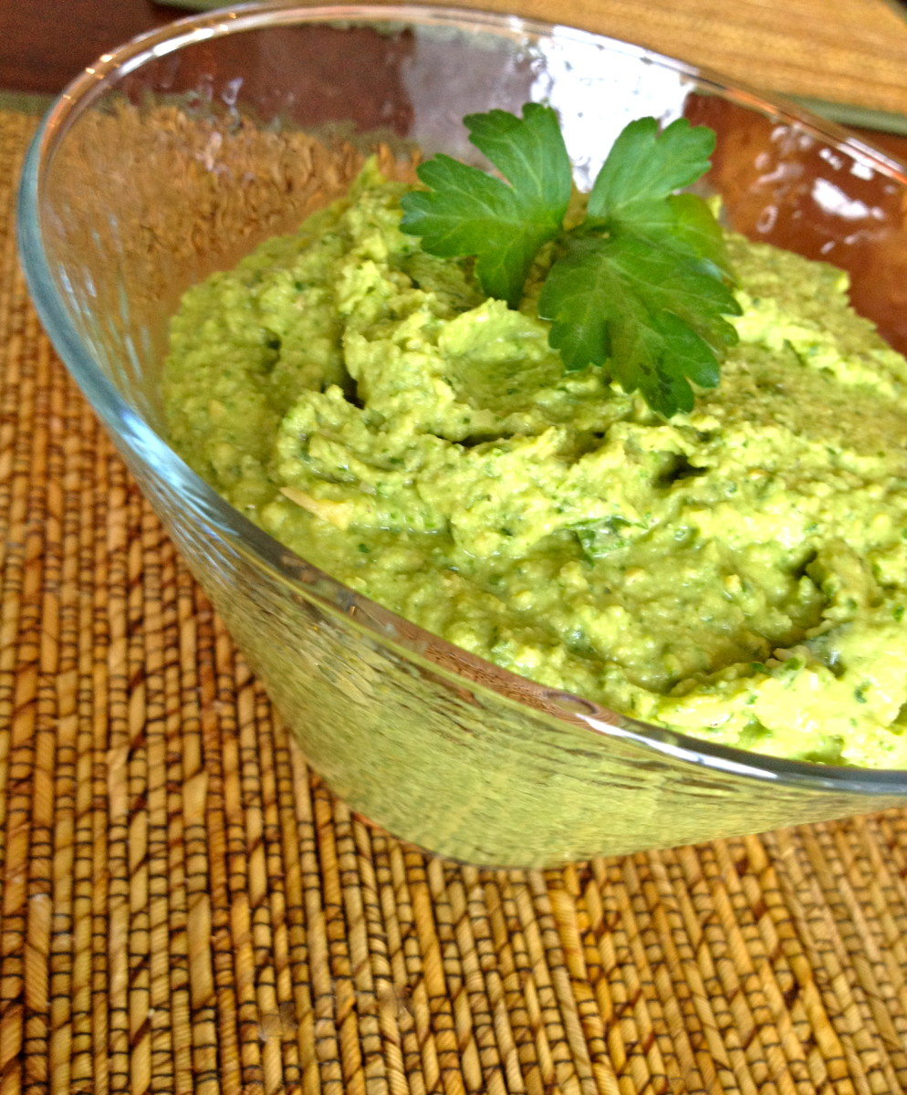 Spinach and Arugula Hummus Recipe