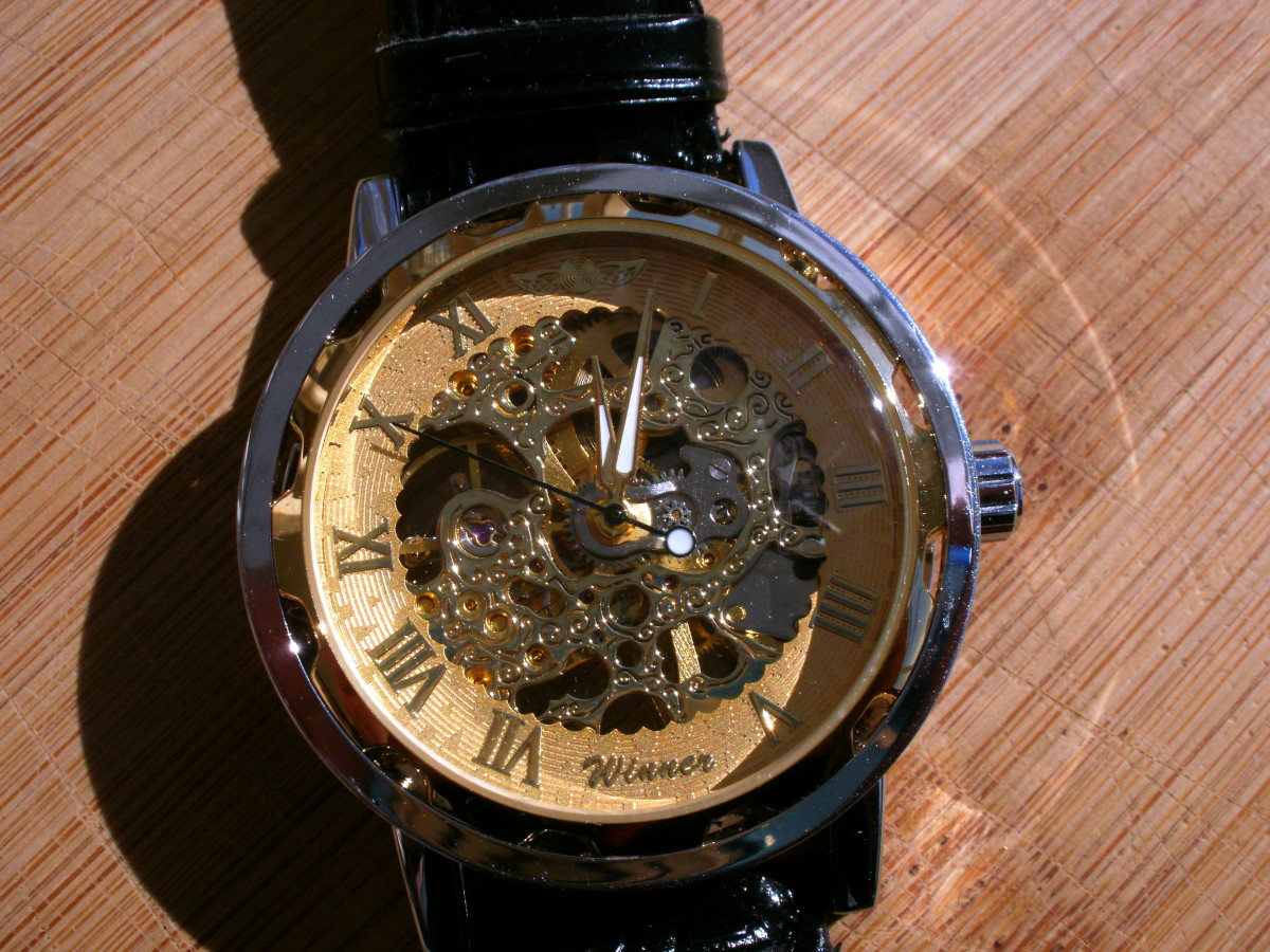 Review of the Winner Men's Luxury Semi-Mechanical Skeleton Watch 387588