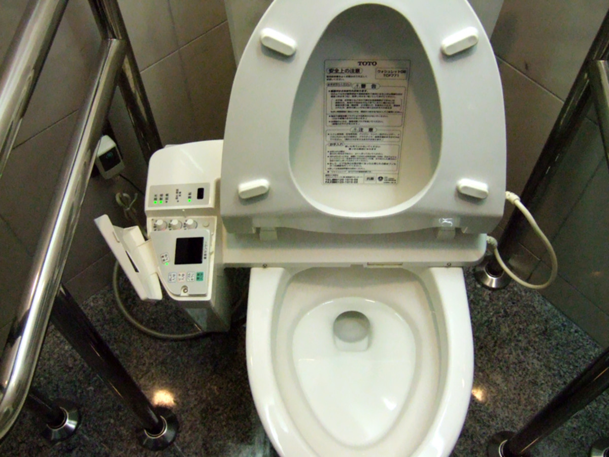 how-to-navigate-a-bathroom-in-japan
