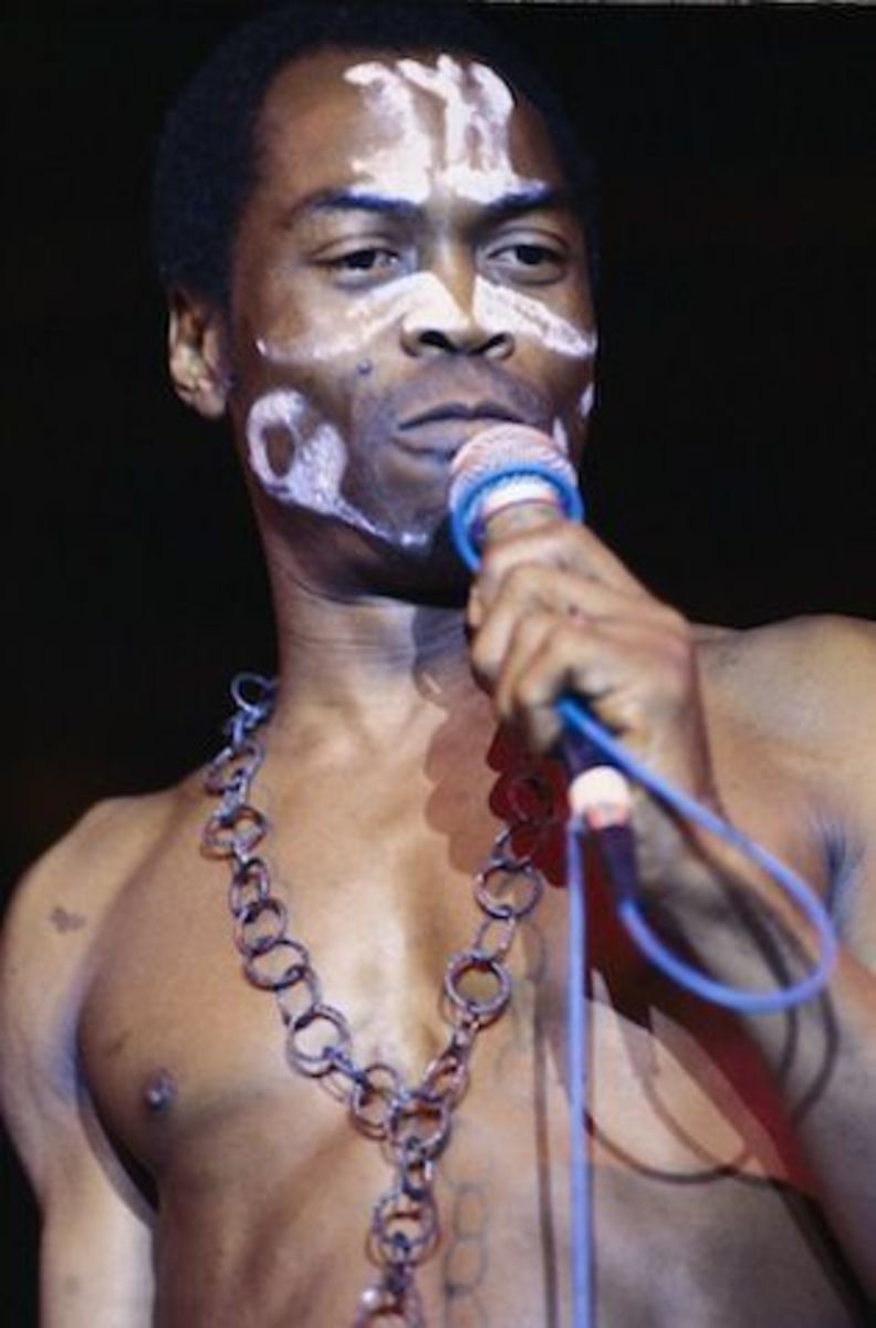 Fela without clothes during one of his performances