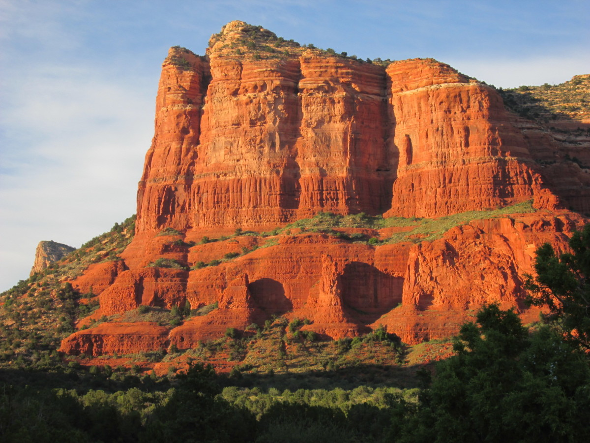 Courthouse Butte at sunset from Bell Rock Pathway Trailhead, Village of Oak Creek.