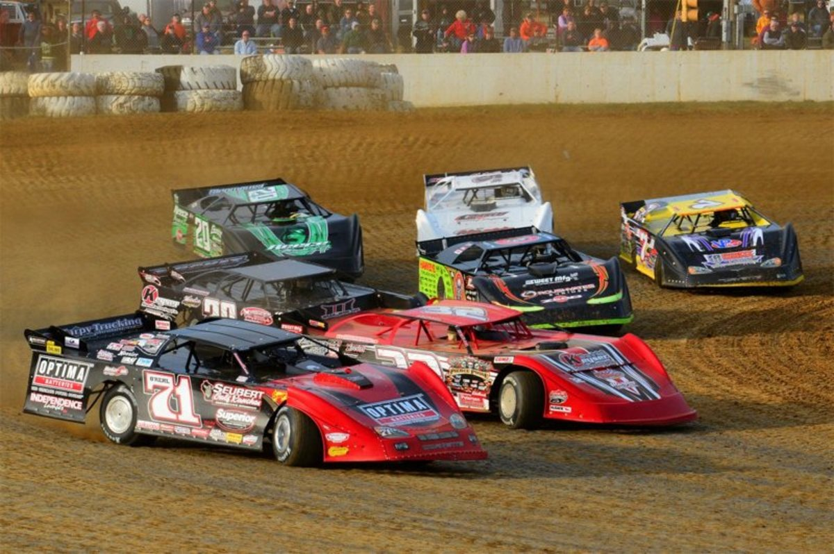 Types Of Dirt Racing Cars