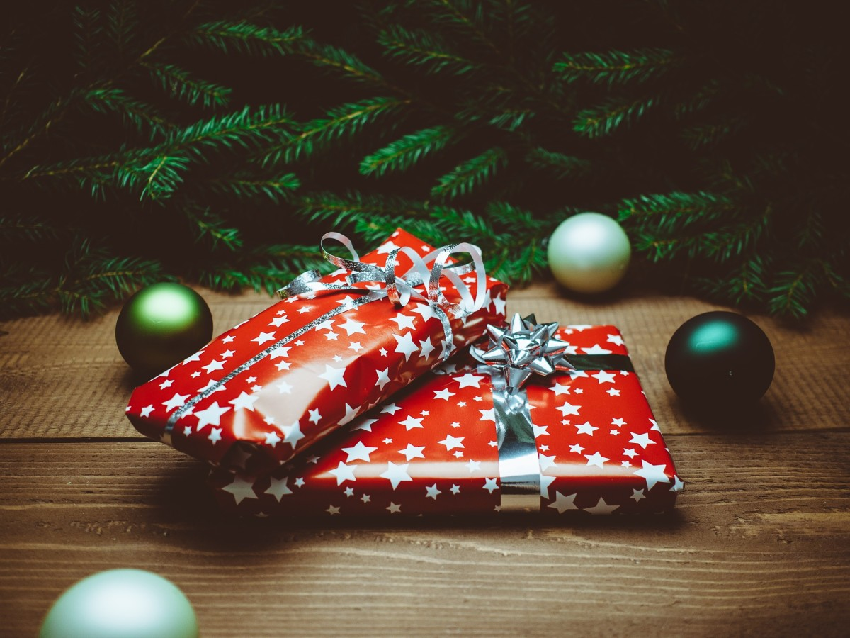 Great Christmas Gift Ideas for Your Employees