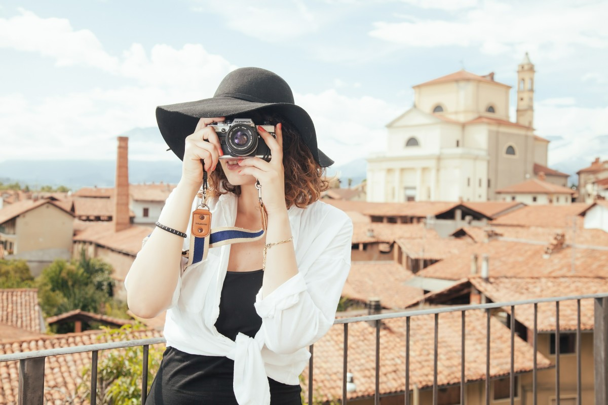 Extra camera memory cards are a lightweight and practical gift to give someone who loves to travel.