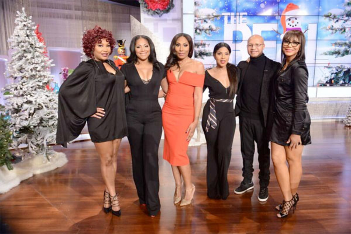 The Braxtons from left to right Towanda,  Trini, Traci, Toni, the oldest, Michael, and Tamar, the youngest
