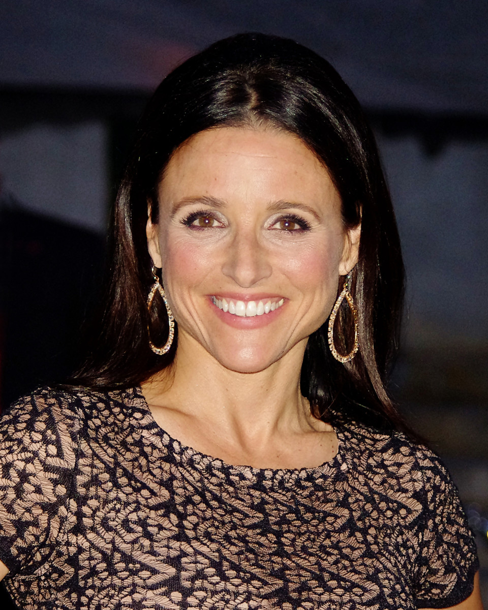 Julia Louis-Dreyfus has used a neutral color palette, and very little powder to make sure her face stays fresh and youthful.