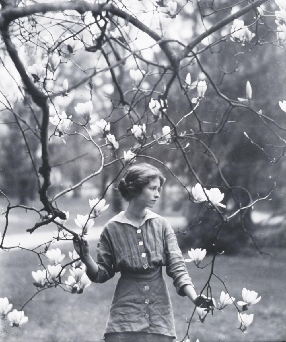 thou art not lovelier than lilacs
