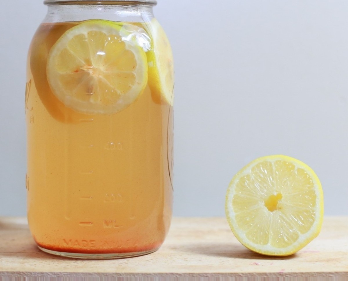 The citric acid in lemon juice can be used to help reduce the severity of acne scars over time.