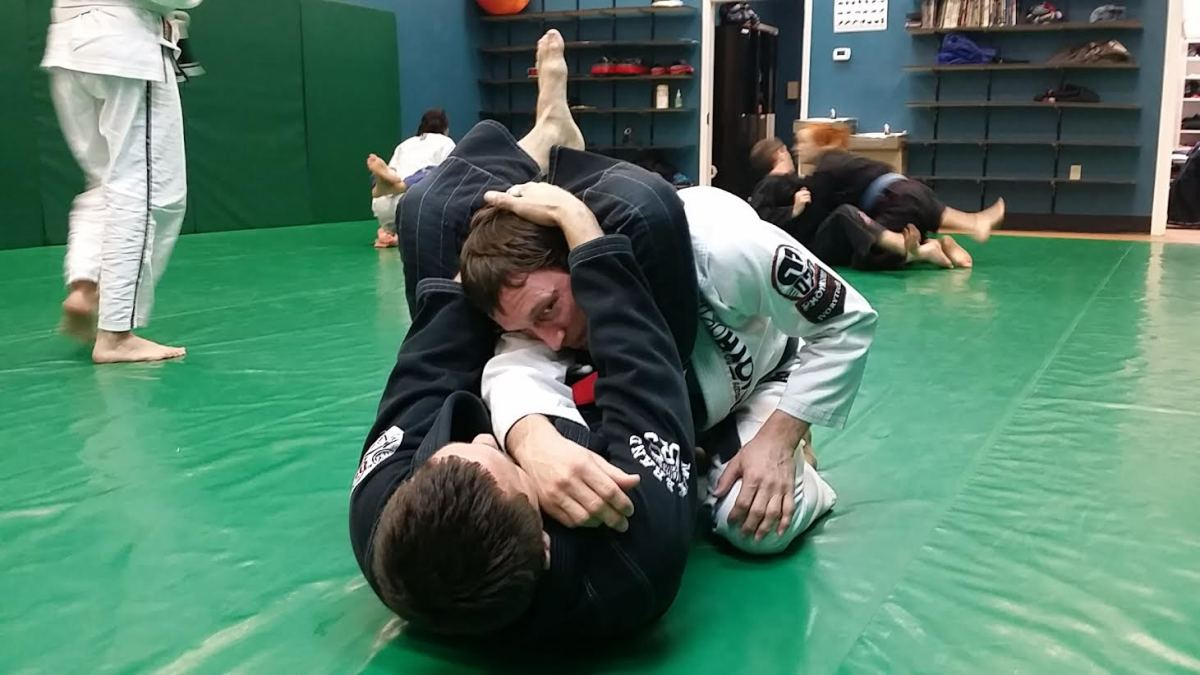 Details on How to Finish a Triangle Choke - a BJJ Tutorial