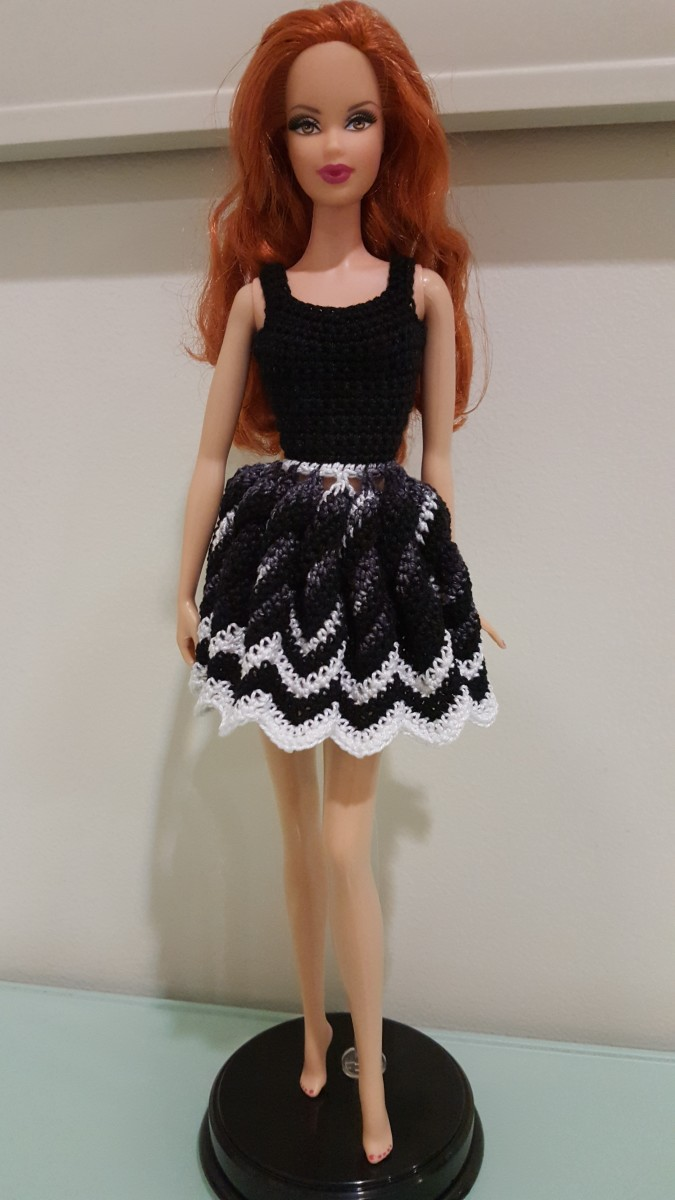 Barbie Twisted Chevron Dress (Free Crochet Pattern)